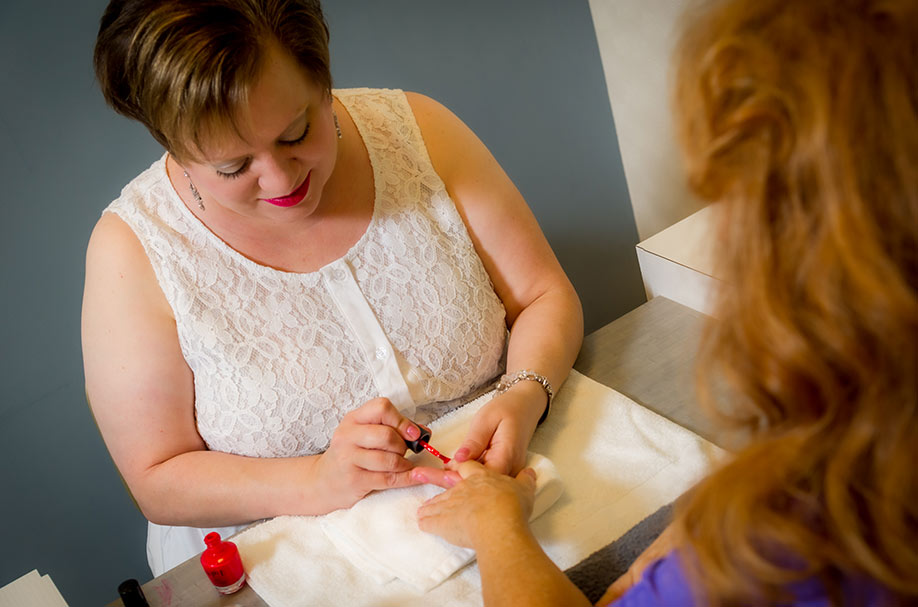 Professional Senior Nail Styling Services | Salon Professionals