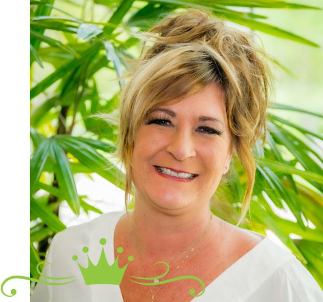 Salon Professionals Team Member Roxanna | Senior Spa Professionals